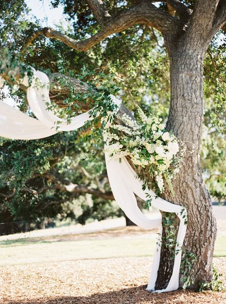 9-ethereal-ceremony-decor-fabric-flowers