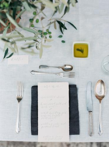classic-elegant-table-decor